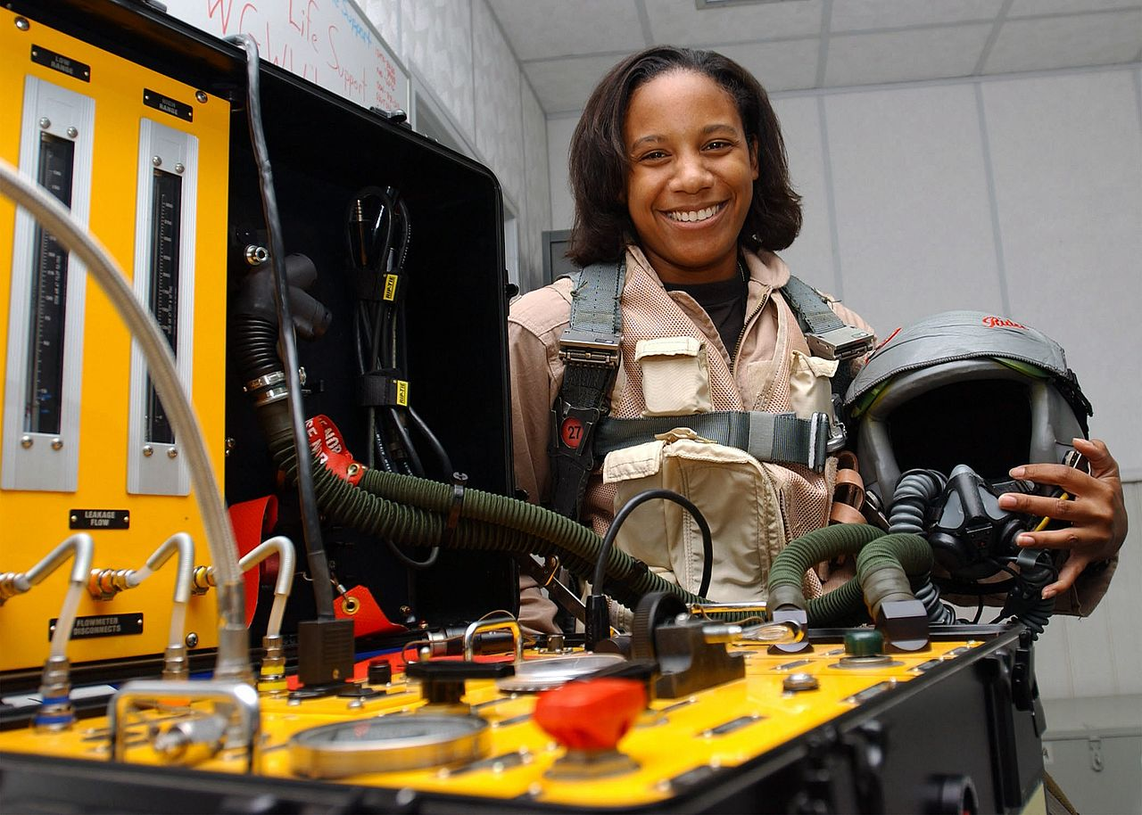 Shawna Kimbrell: the first female African-American fighter pilot